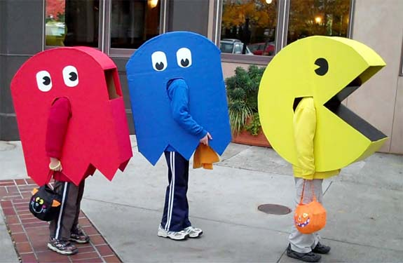 10 Pac-Man and Ghosts